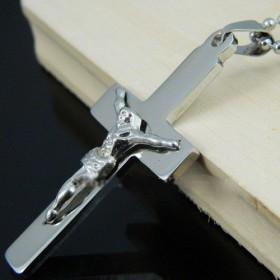 Prívesok Krížik - Ježíš na kríži strieborný
