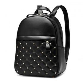 Dámsky batoh s cvočkami Čierny