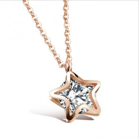 Náhrdelník z nerezovej ocele Zlatá hviezda so zirkónom