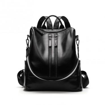 Stredný elegantný lakovaný batôžtek GLOW BLACK